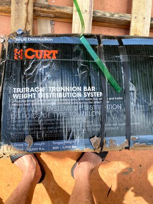 """New CURT TruTrack Trunnion Bar Weight Distribution System (8K - 10K lbs., 35-9/16"""" Bars) (0) for Sale in Miami, FL"""