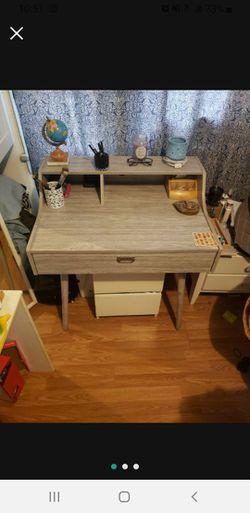 Modern Grey Desk/ Vanity for Sale in Los Angeles,  CA