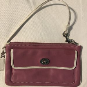 Small New Coach Wristlet... New Used. ... Check Out My Other Offers Too for Sale in West Palm Beach, FL