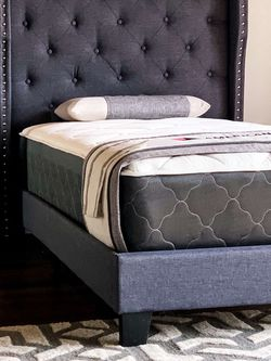 Twin Smokey Gray Platform Bed With Mattress And Free Delivery for Sale in Fort Worth,  TX