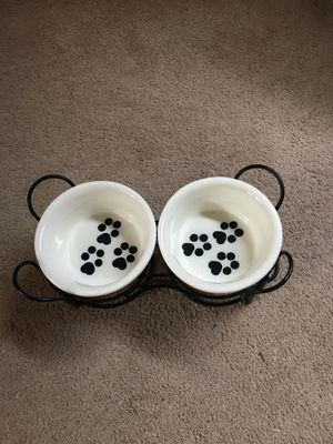 DOG BOWL SET - FOR MEDIUM SIZE DOGS for Sale in Scottsdale, AZ