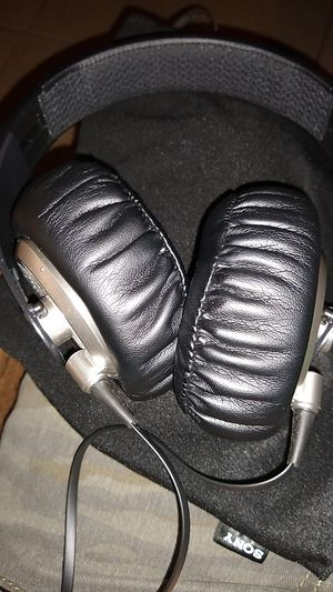 Sony Stereo Headphones MDR XB500 for Sale in undefined