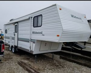 2001 Wildwood 5th Wheel for Sale in Omaha, NE