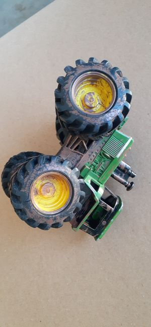 $4 Tractor John Deere Toy for Sale in Hemet, CA