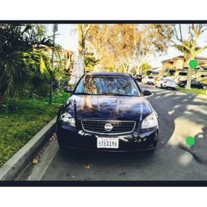 2006 Nissan Altima RUNS REALLYGOOD AUTOMATIC 150KMiles clean titl, ac works good, radio works good, it's just needs a good car wash and a new owner.. for Sale in Downey, CA