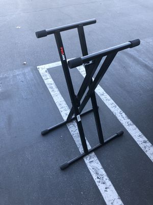 Proline keyboard stand / dj stand pl400 for Sale in Los Angeles, CA
