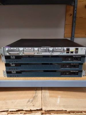 4x Cisco 2900 Series Routers for Sale in Seattle, WA