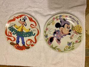Porcelain Plates: Minnie Mouse & Goofy for Sale in UPPR MARLBORO, MD
