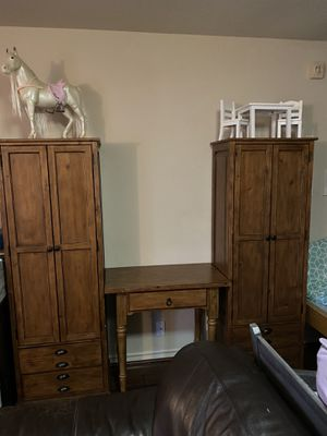 Pottery Barn shelves and side table for Sale in Shavano Park, TX