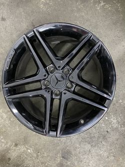 "Mercedes CLA45 2014 - 2016 18"" Factory OEM AMG Wheel Rim. Condition is very good used condition. 18x8 painted black. 1 single Mercedes CLA45 2014 for Sale in Federal Way,  WA"