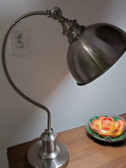 "Vintage Adjustable Mid Century Metal Silver Goosneck Table Lamp 21"" for Sale in Miami,  FL"