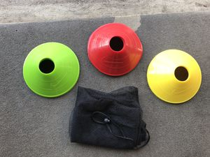 Set of 12 Nike training discs and 9 pinnies and Primed soccer net for Sale in Library, PA
