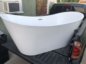 Large fiberglass bathtub for Sale in East Los Angeles, CA