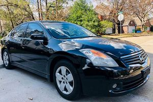 On Sale 2008 Nissan Altima FWDWheels Awesome for Sale in Cleveland, OH