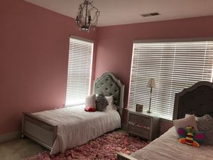 Girls 4 Piece Platinum Bedroom Set for Sale in Sterling, VA