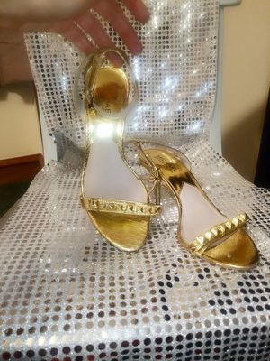 Michael Kors size 7 heels GOLD:) for Sale in Austin, TX