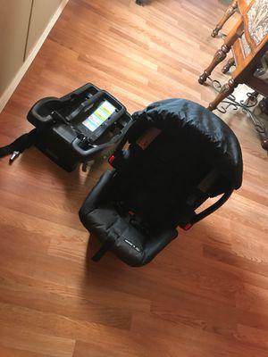 Snugride 30 infant car seat for Sale in Albuquerque, NM