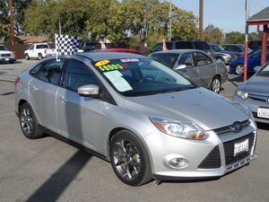 13 FORD FOCUS SE for Sale in Brentwood, CA