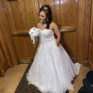 Wedding Dress for Sale in Harper Woods, MI