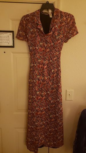 Ladies size 12 maxi for Sale in Cleveland, TN
