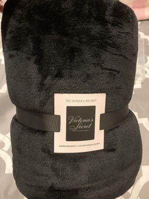 Victoria's Secret Sherpa Blanket for Sale in Glen Ellyn, IL