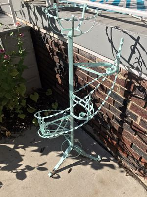 Vintage plant stand for Sale in Lakewood, OH