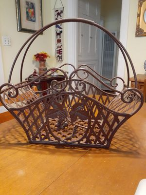 Beautiful Wrought iron basket decor use in the bathroom or kitchen for Sale in San Diego, CA