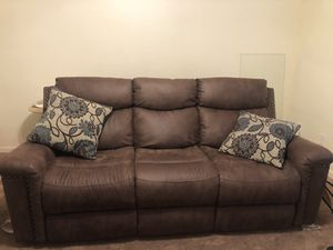 Brown leather recliner for Sale in Cleveland, OH