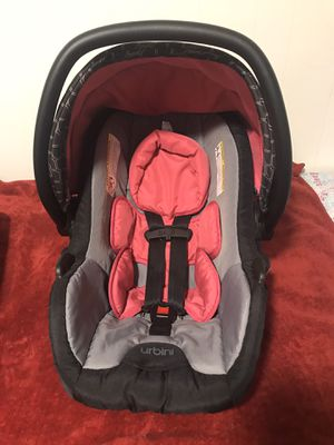 Urbini car seat pink , gray and black for Sale in Pawtucket, RI