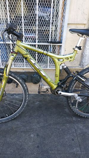 Gt downhill racing bike for Sale in San Francisco, CA