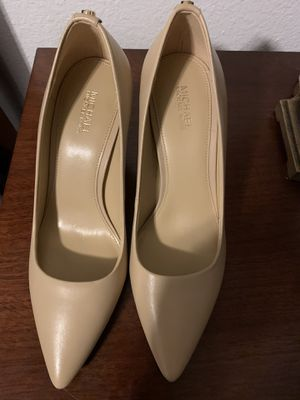 new Michael kors shoes size 7 for Sale in Everett, WA