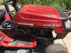 MTD 12.5 hp with grass catchers for Sale in Cleveland, OH
