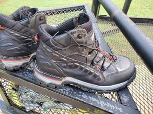 "Red Wing flex force 5"" hiker steel toe boot 9.5 for Sale in Conyers, GA"