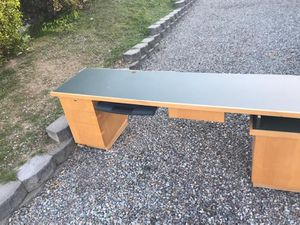 Free Computer desk for Sale in Lakeside, CA