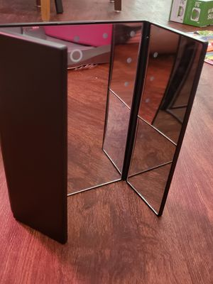 Impressions Vanity Touch IV 3.0 Trifold LED Makeup Mirror for Sale in Austin, TX
