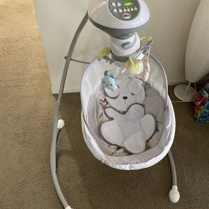 Swing For Infant Baby for Sale in Strongsville, OH
