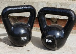 2-15 pound kettle bell weights for Sale in Parma, OH
