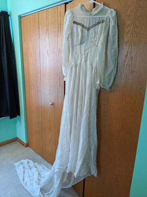 Vintage Wedding Dress (1940s) for Sale in IL, US