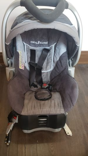 Baby trend car baby seat for Sale in Chicago, IL