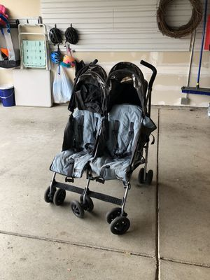 MacLaren Double Collapsible Stroller for Sale in Snohomish, WA