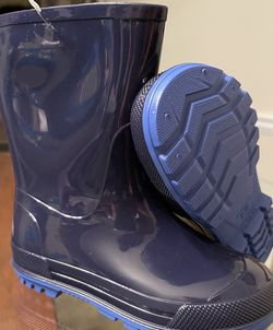 Brand new Rain Boots for boys size 9/10 for Sale in Stone Mountain,  GA