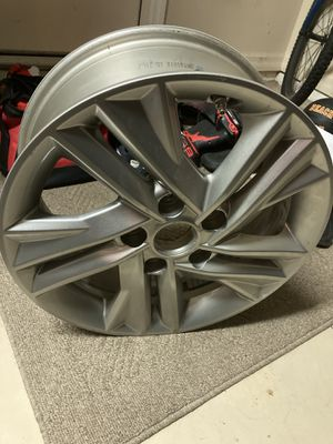 Hyundai Elantra SEL small bend on rim 16 inch includes TPMS sensor for Sale in Zephyrhills, FL