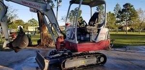 takeuchi mini excavator TB228 for Sale in Kissimmee, FL