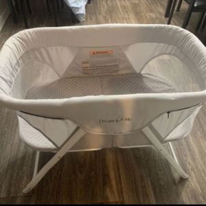 Baby Crib With 30 oz Similac Milk & 50 Diapers for Sale in Las Vegas, NV