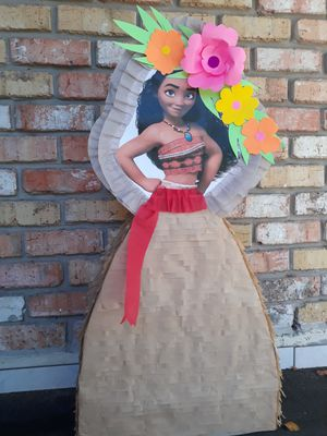 "Moana pinata 30"" for Sale in Houston, TX"