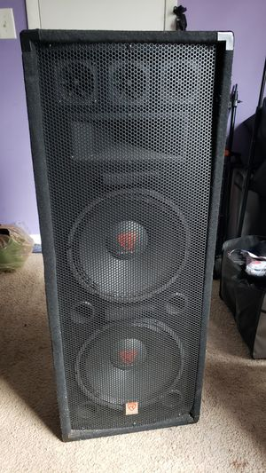 2 12inch subs and amp for Sale in Marietta, GA
