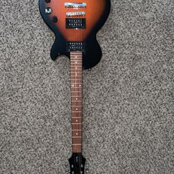 Les Paul Epiphone Electric Guitar With Amp for Sale in Denver,  CO