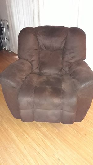 Brown recliner rocking chair for Sale in Melbourne, FL