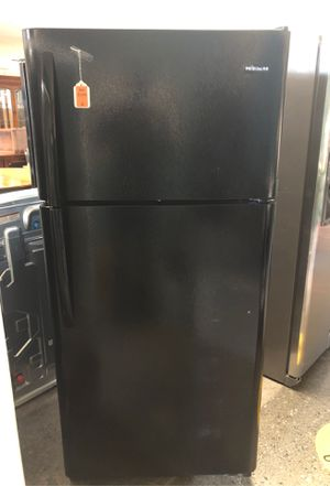 Frigidaire refrigerator for Sale in Bellevue, WA