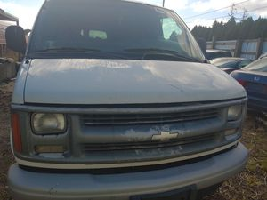2002 Chevrolet express 3500 for Sale in Woodburn, OR